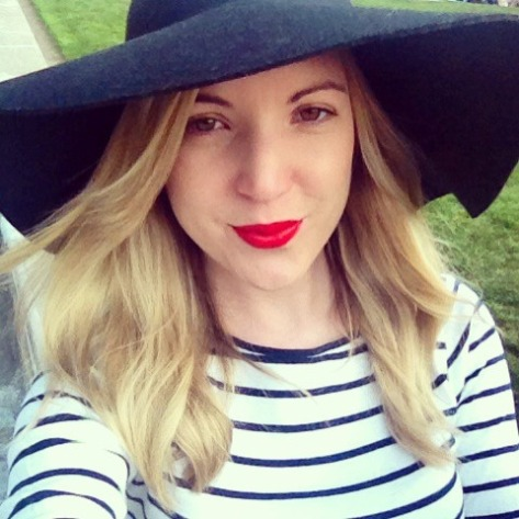 Stripes, red lips, blue and white... well, I am in Paris